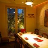 (ミント)5〜8名様向け お庭の見える完全個室です。