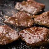 コースではお肉など鉄板料理が追加できます