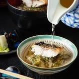 名物『焼サバ飯』は茶出汁をかけて2度旨い、〆に最適な逸品!