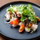 秋刀魚の藁焼と小桃トマトとセロリのマリネ「セビーチェ」