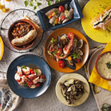 色彩豊かなスペイン料理をお楽しみください