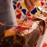 生ハムは柔らかく、肉本来の旨味が楽しめます