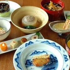 ◆厳選食材を使用した懐石料理を堪能