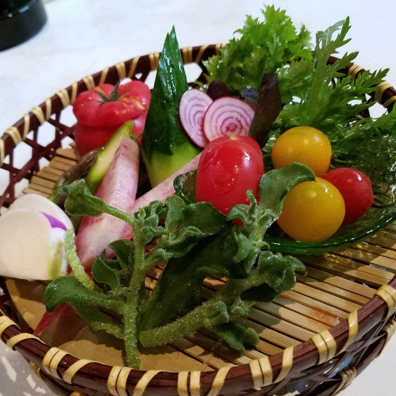 新潟県内産の野菜のかご盛り