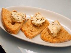 チーズと無花果カナッペ