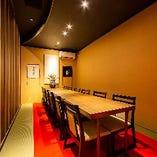 両家顔合せや接待におすすめの完全個室も完備。
