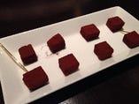 竹鶴入りの手作り生チョコレート(4個)550円(8個)1100円