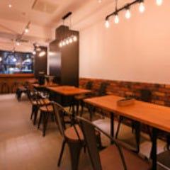 TAVOLA 310  店内の画像