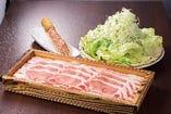 ★黒豚しゃぶしゃぶ★野菜の種類を追加!上品な柔らかいお肉とそばつゆによく合います!