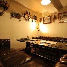 おしゃれな雰囲気のソファー席半個室