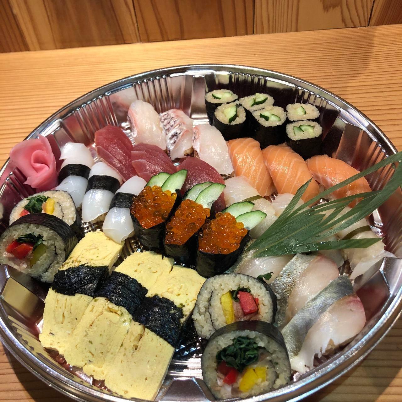 江戸前寿司盛り合わせ、自宅での会食にぜひ!!