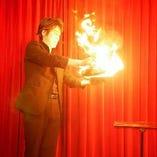【驚きのマジック】 ステージで繰り広げられる不思議の数々♪
