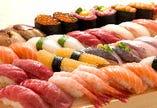 もちろん人気の食べ放題も! 本格江戸前寿司をその場で握ります