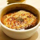 レンジで簡単 人気の冷凍オニオングラタンスープ