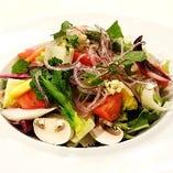シェフのこだわり野菜サラダ