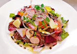 タリアータ(薄切りステーキ)サラダ添え バルサミコソース