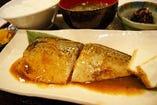 鯖の味噌煮定食ランチ