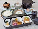 ・麦とろ豆腐健康膳