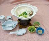 ・自慢の湯豆腐