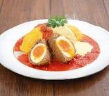 スコッチEGG&ラクレットチーズのトマトオムライス