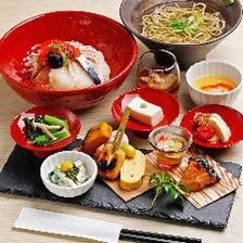 10種以上の料理を楽しむ人気の昼御膳