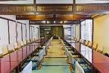 大宴会場「薩摩」80名収容。テーブル席にも対応。