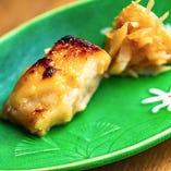 キャビアフィッシュの西京焼きと梅水晶