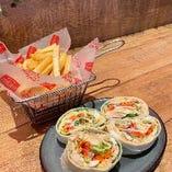 トルティーヤラップサラダ&フライドチキン