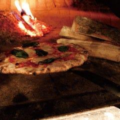 LOCHE自慢の本格薪窯ピッツァを召し上がれ!