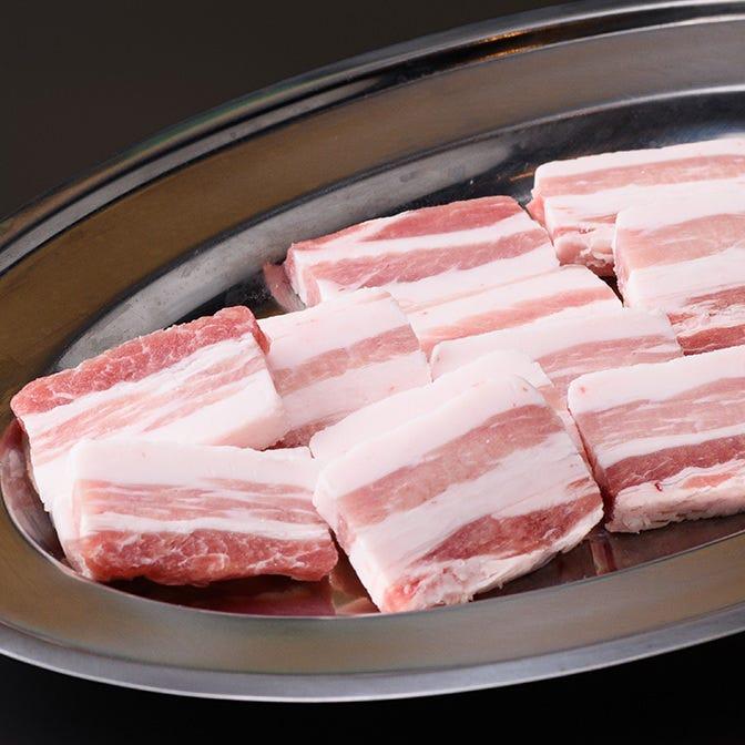 豚肉は富山県産、ホルモンは国産