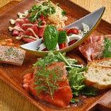 前菜盛り合わせはバラエティ豊かでボリューム満点!