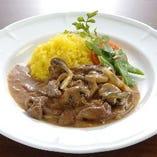 ロシアを代表する定番料理から季節のお料理まで豊富にご用意。