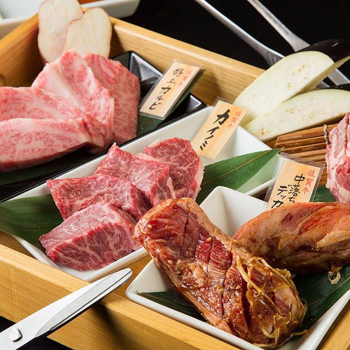 お肉はすべて木箱でご提供◎2時間飲み放題付3,500円(税込)~