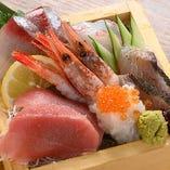 《海の玉手箱》 魚樽升盛定食