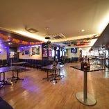 開放的な空間で貸切着席120名様/立食200名様までご利用可能!