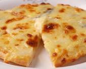 カマンベールピザ