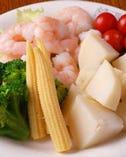 新鮮な旬の食材をチーズにくぐらせて・・♪