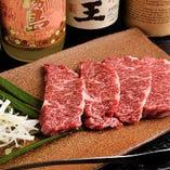 黒毛和牛を中心に、ジューシーな厳選肉をたっぷりと味わえる!