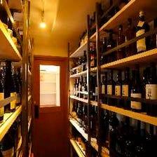 約600本に上るワインを取り揃え