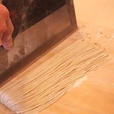 直前に打つ…自家製蕎麦
