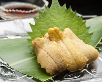 夏限定「沖縄産ウニ」最高に美味しいです