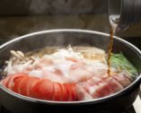 【あぐ~豚トマトすき焼き】 一度食べたらやみつきに!