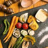自家農園で栽培したお野菜など、滋賀産の食材を中心に使用しています