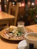 ほうじ茶のブラマンジェ 本日のシフォンケーキ