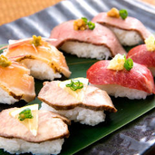 肉寿司、日南鶏、九州鮮魚、馬刺し♪
