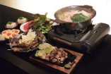 九州産黒毛和牛のもつ鍋は、しょうゆ・味噌味から選べます♪