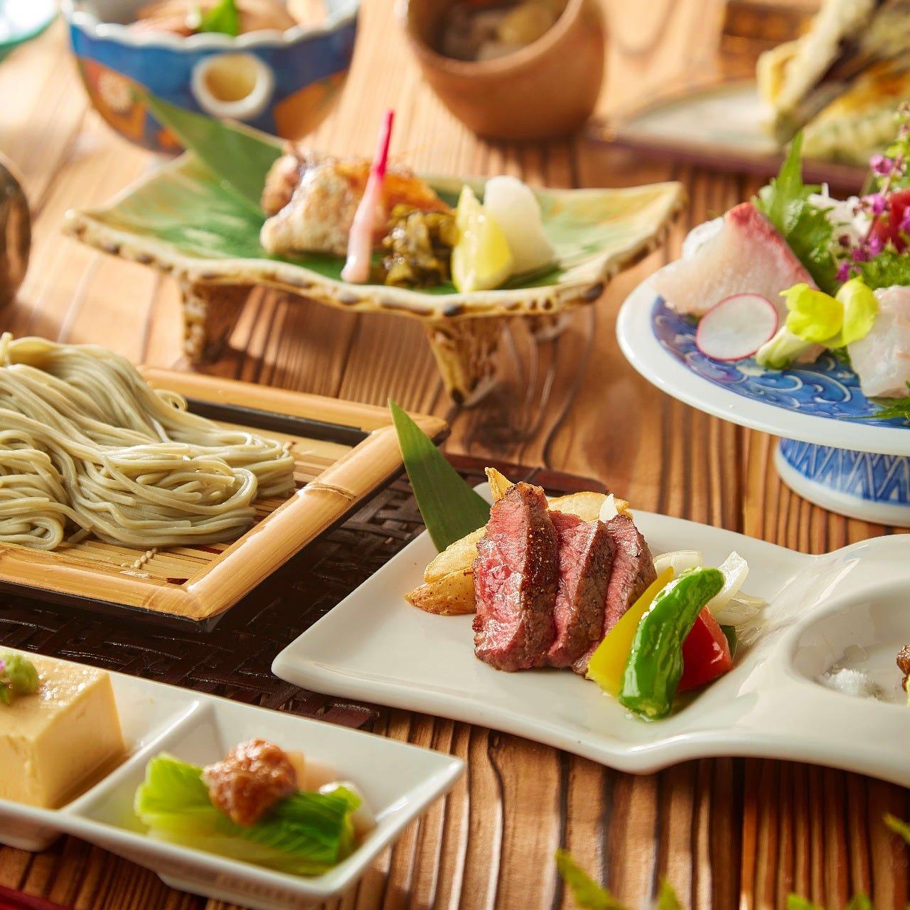 季節の食材を使用した新潟名物コースをご用意しております。