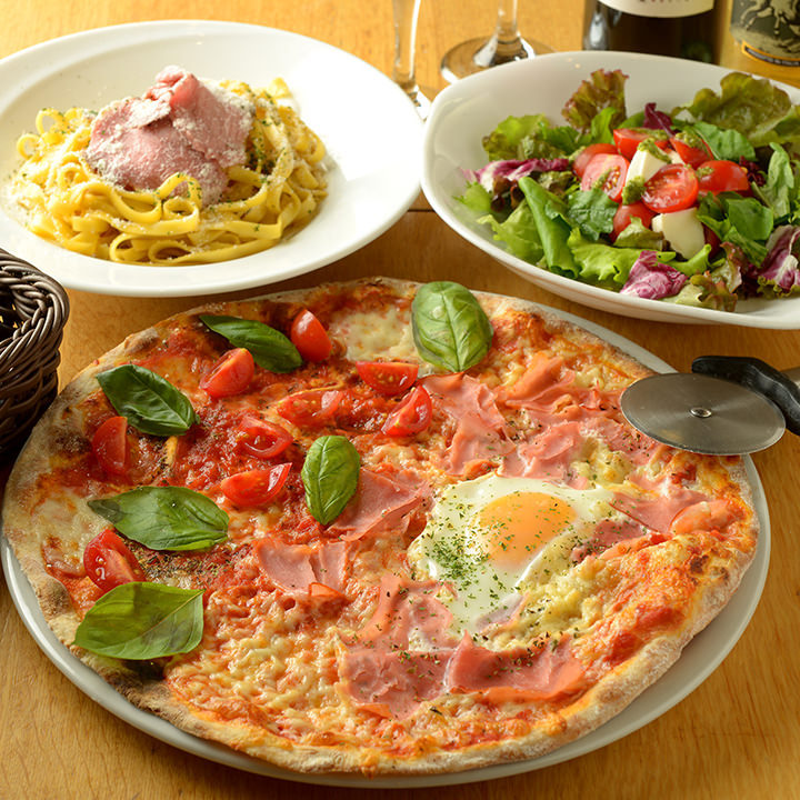 ピッツァもパスタも好みのテイストを楽しめるのが当店の魅力