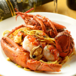 オマール海老と魚介のトマトソース