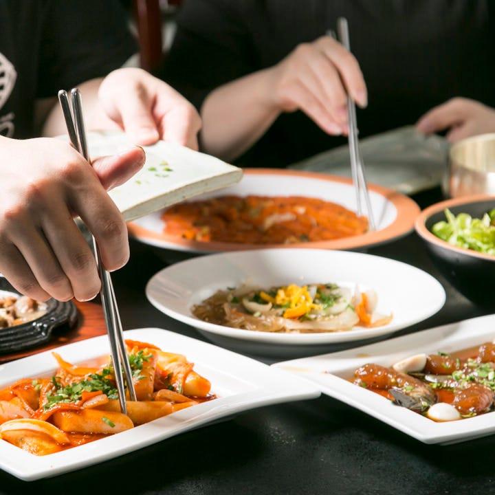 色々食べられるコースで韓国旅行気分